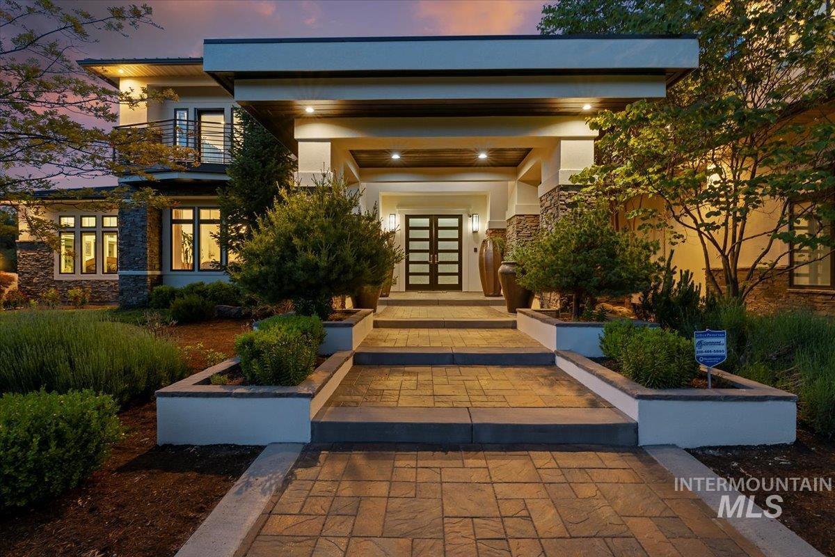476 E Riversedge Lane Property Photo 3