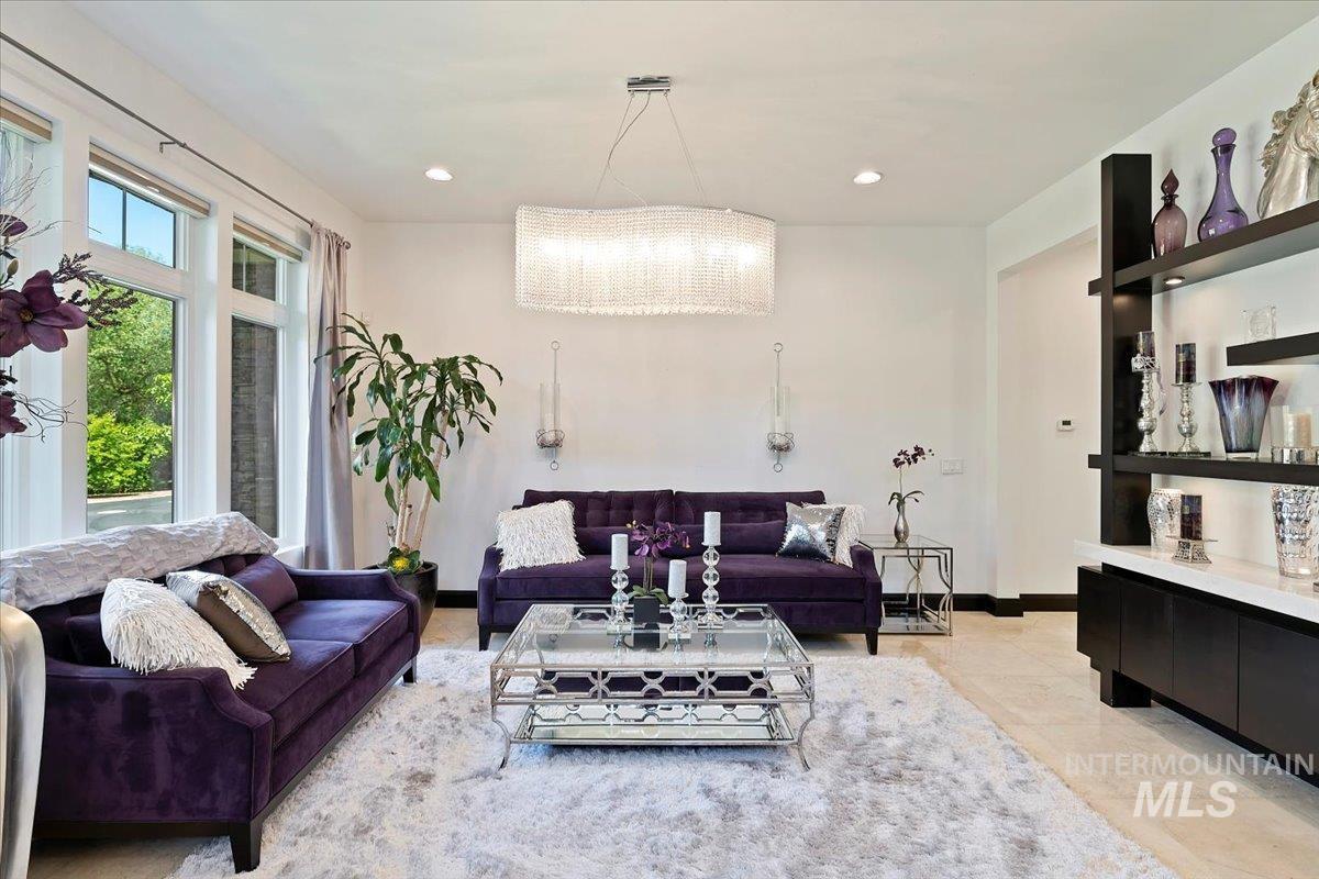 476 E Riversedge Lane Property Photo 16