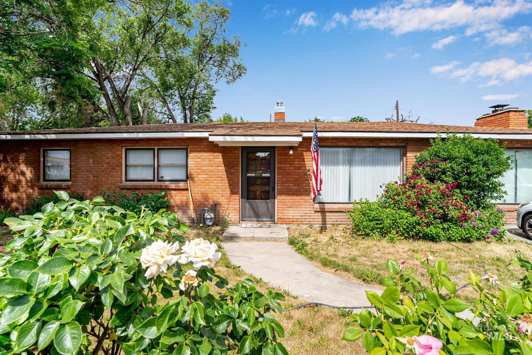 2519 S Vista Ave. Property Photo