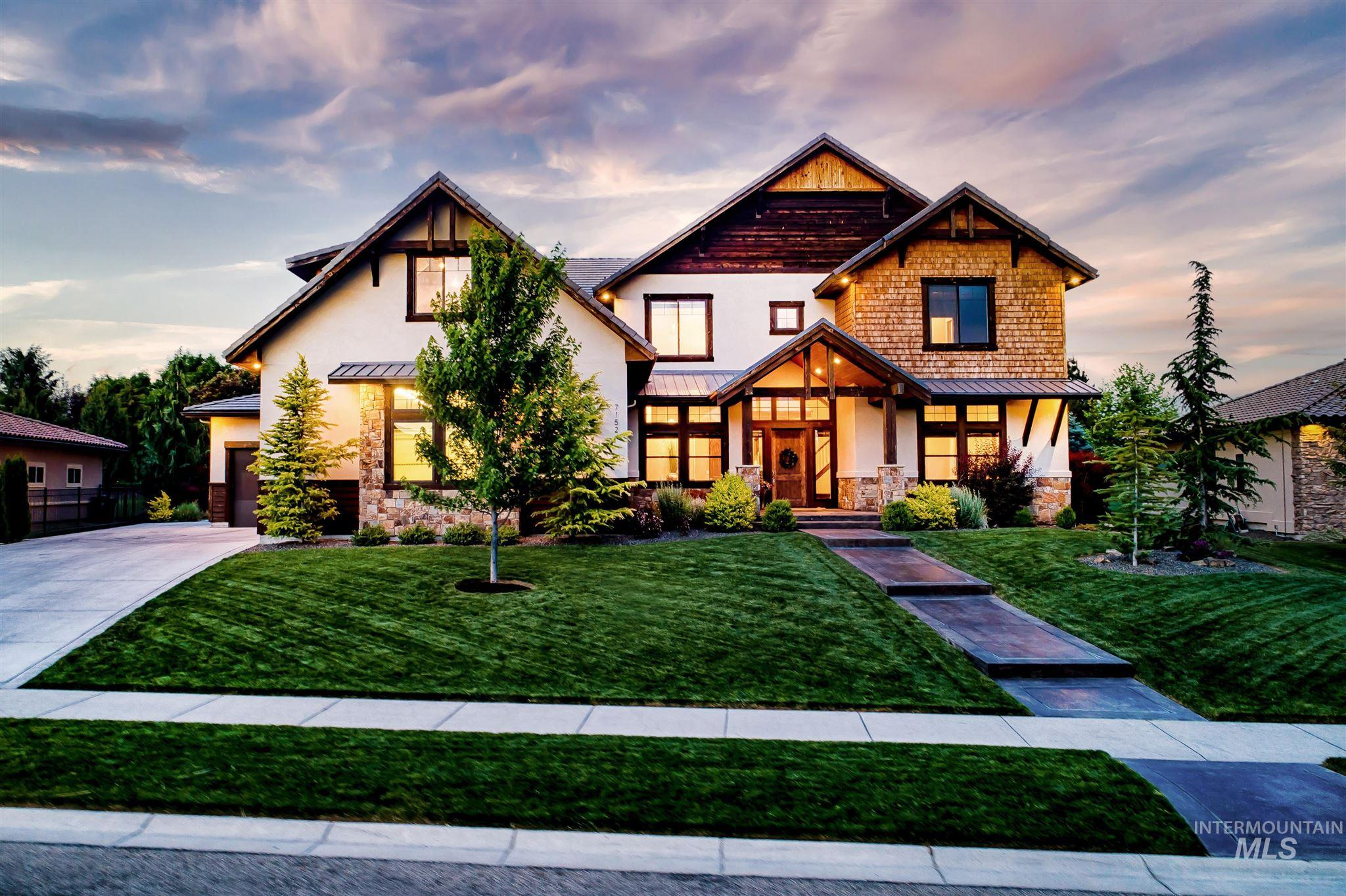 7152 N Sunset Maple Way Property Photo 1