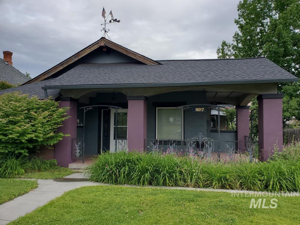 407 2nd Ave Property Photo