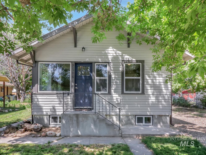 2506 College Avenue Property Photo 1