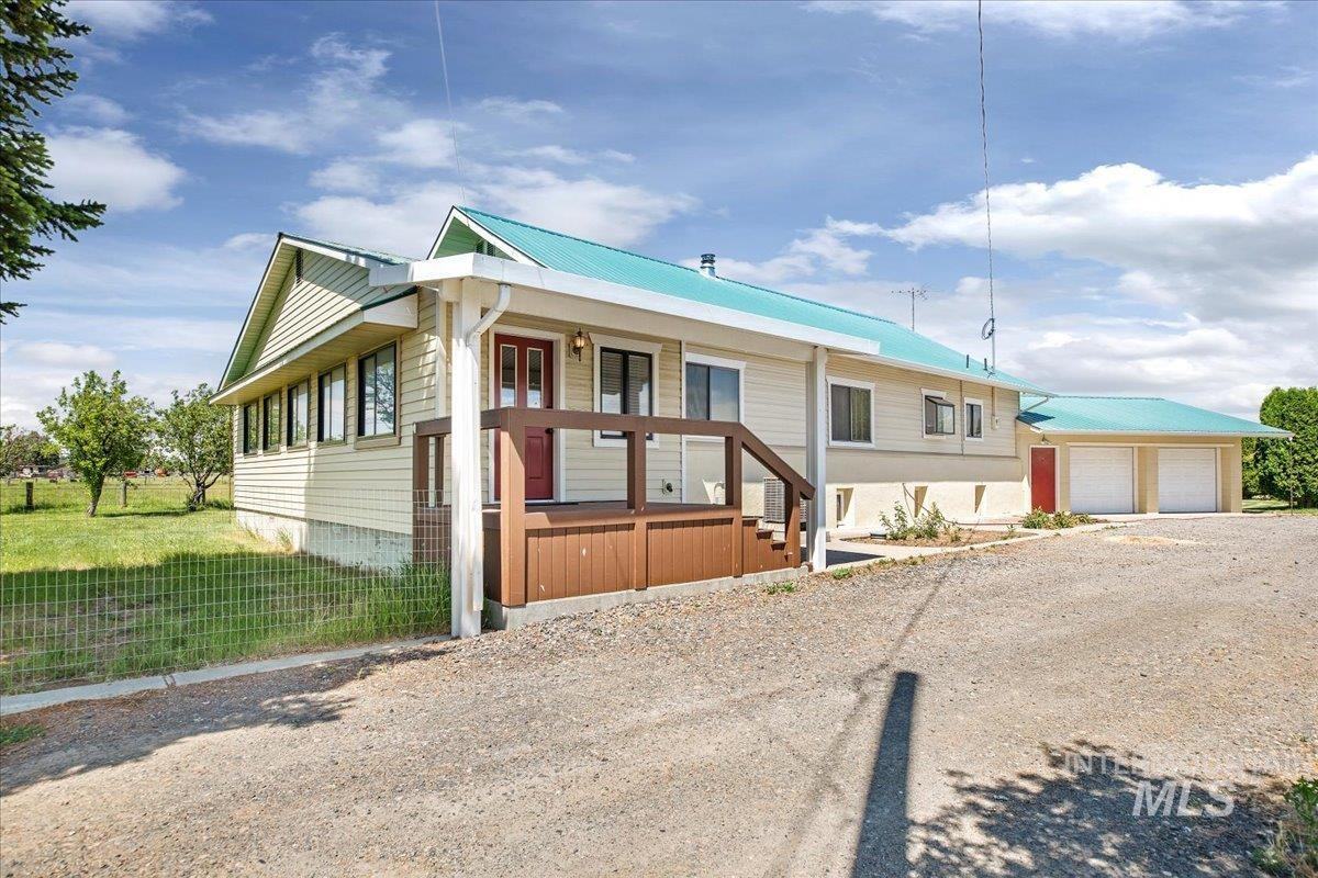 1662 State Highway 46 Property Photo 1
