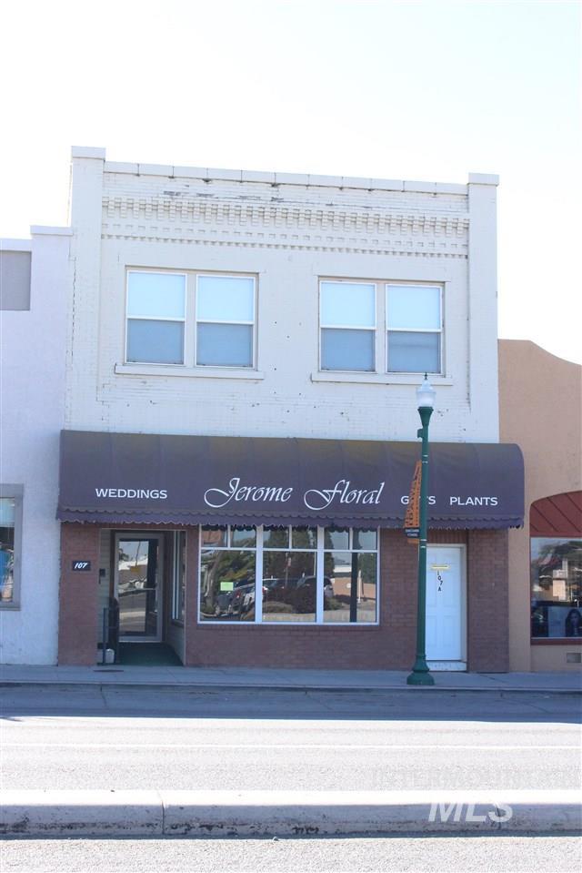 107 Main St W Property Photo 1