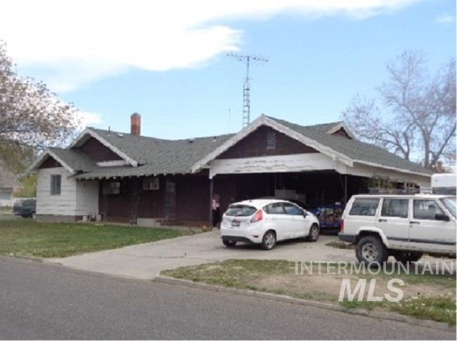 129 12th Ave. N. Property Photo