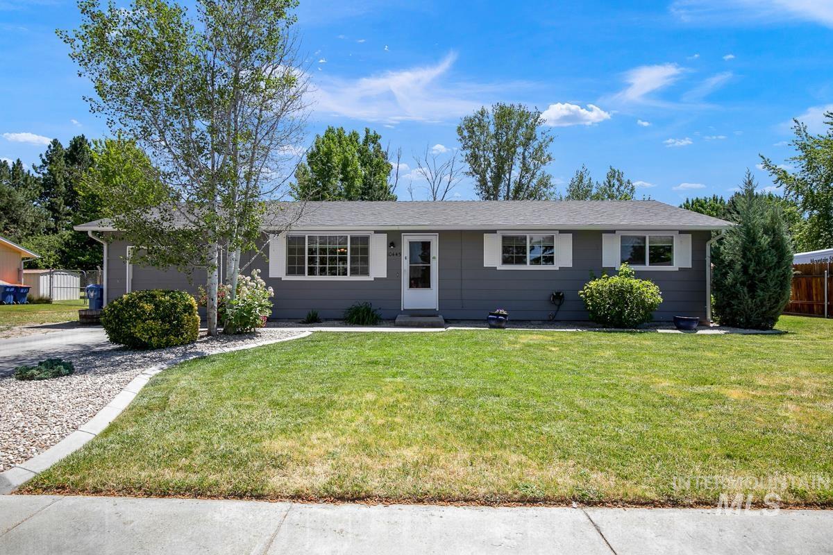 10445 W Littlewood St Property Photo 1