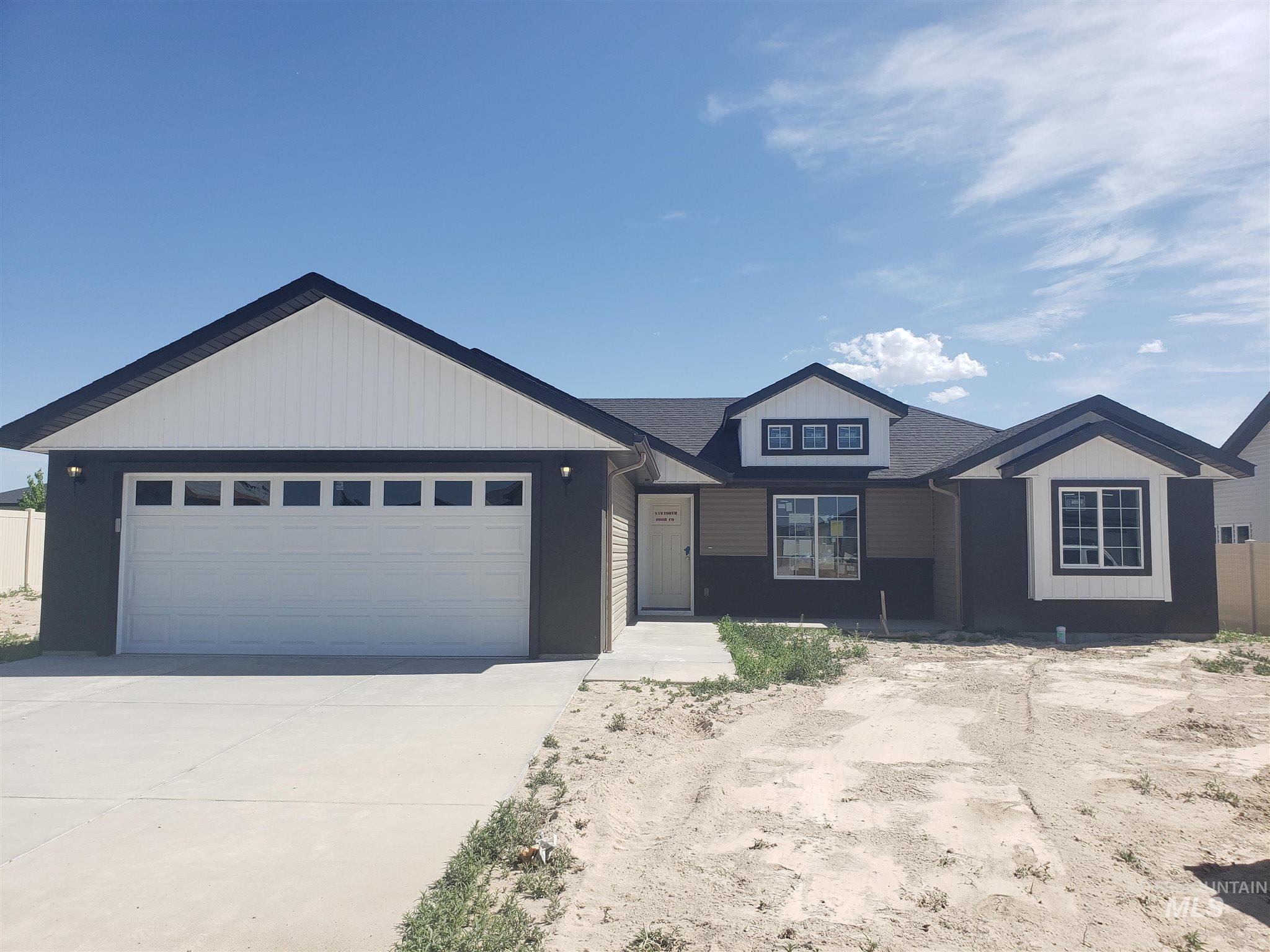 1025 Elk Butte Avenue Property Photo 1