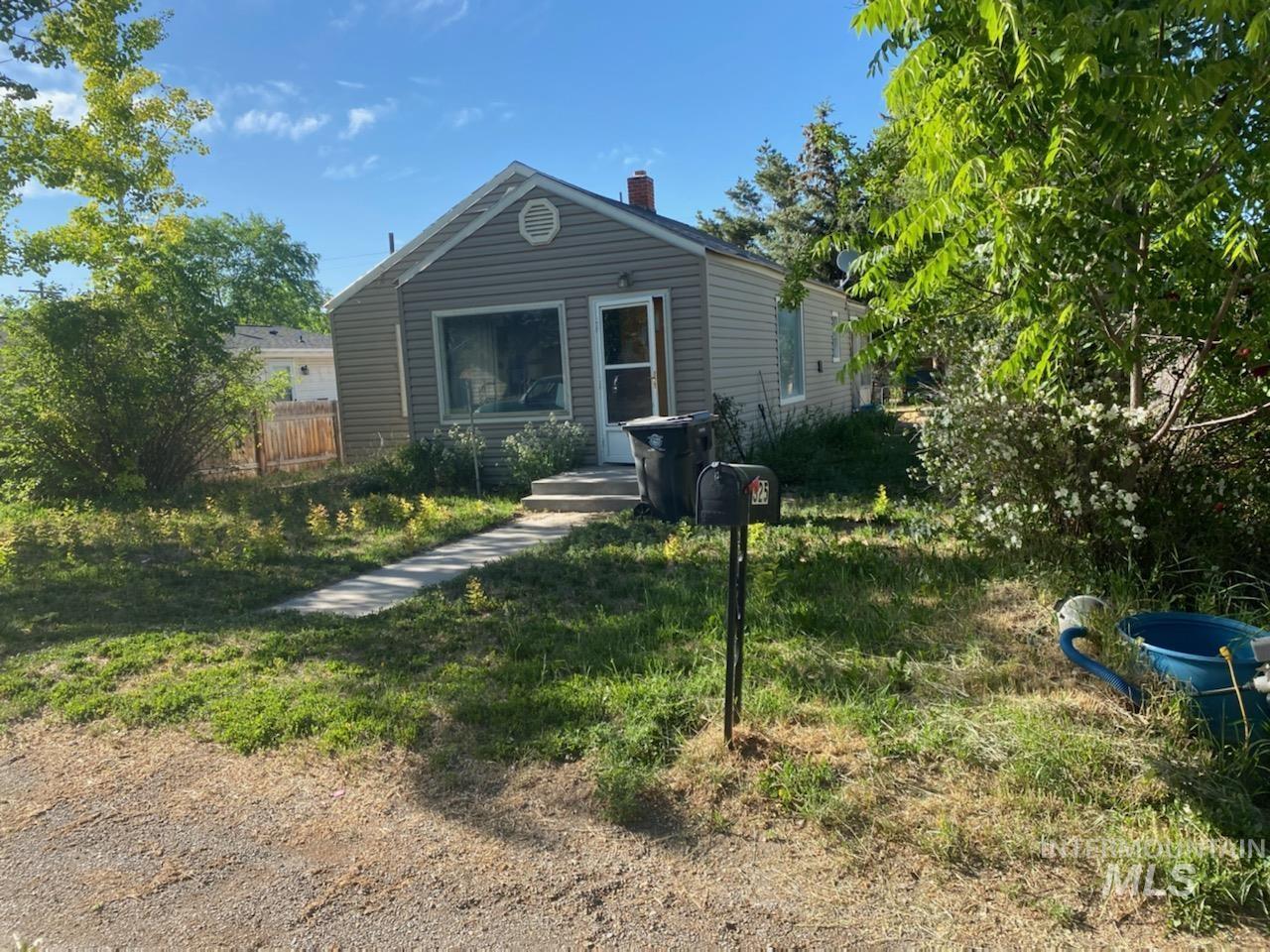 325 3rd Street Property Photo 1