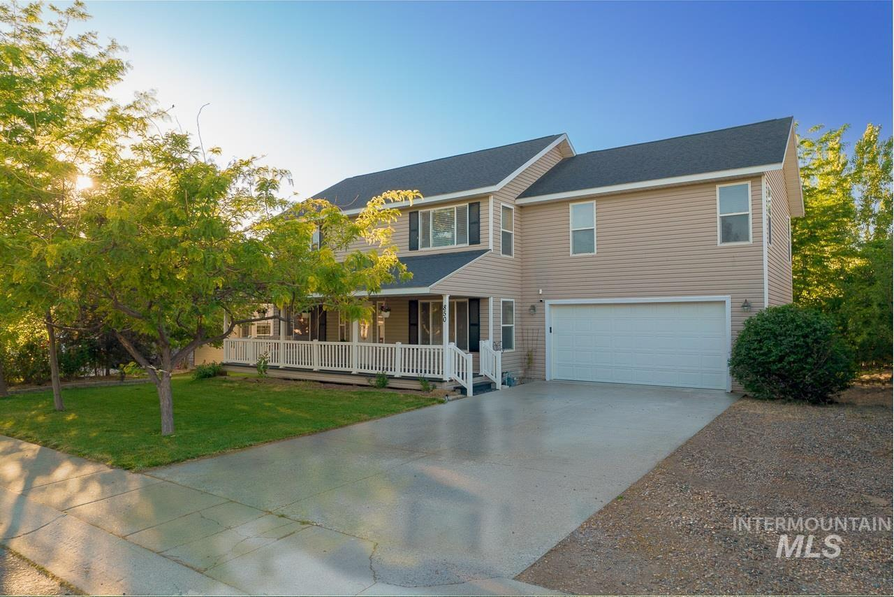 850 15th Ave E Property Photo