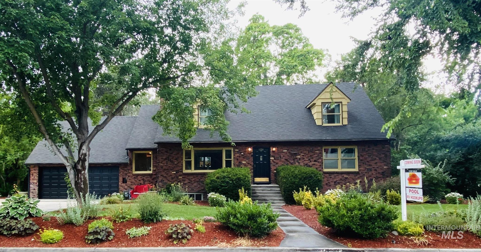1731 S Michigan Ave Property Photo