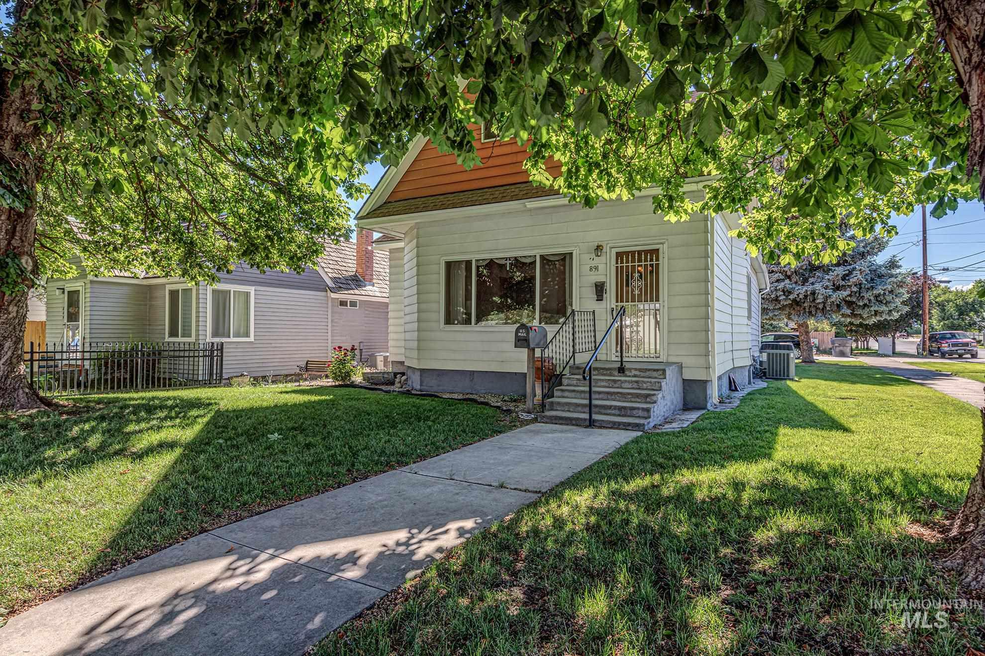 891 State Street Property Photo
