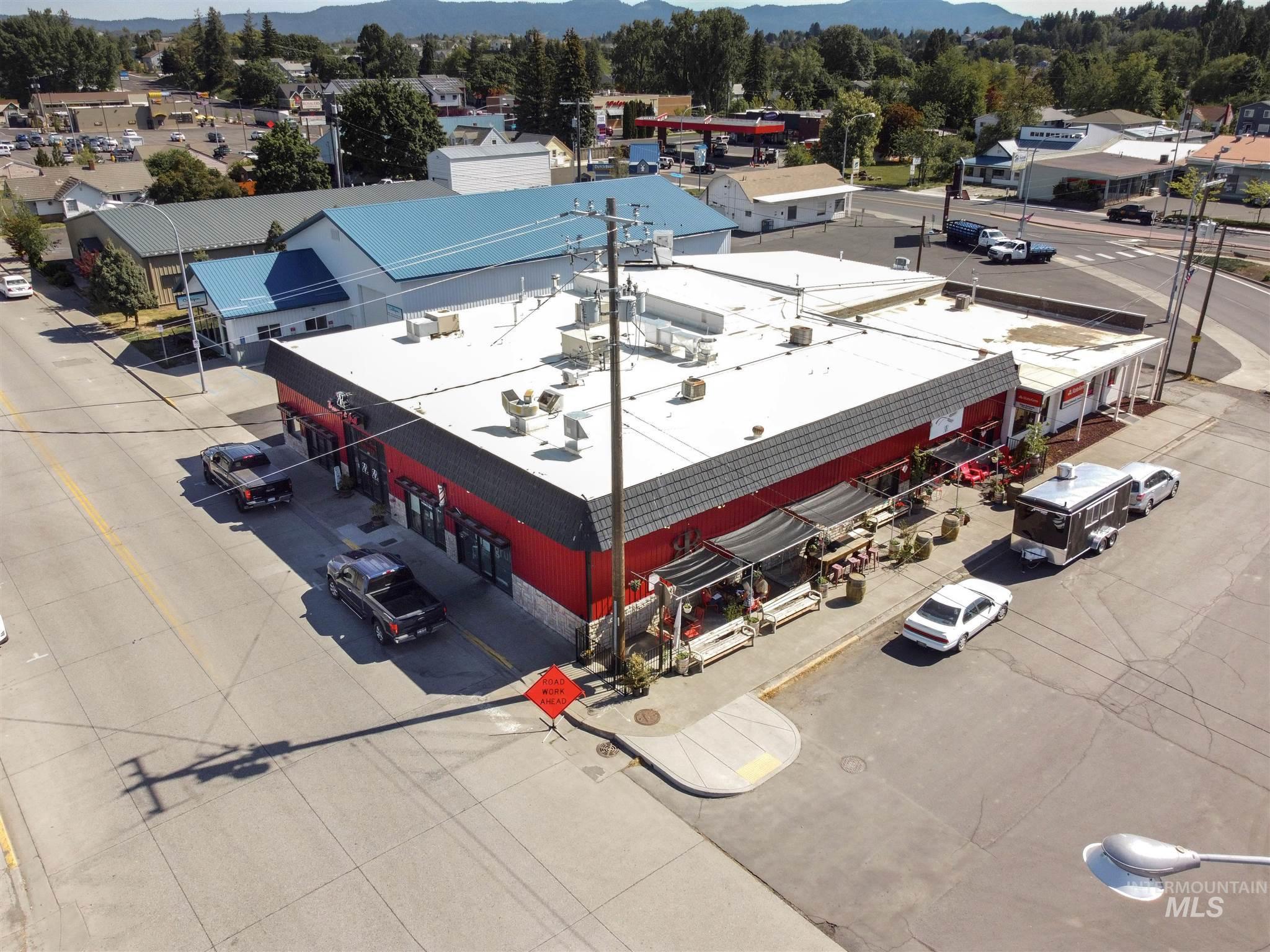 308 N Jackson Street Property Photo 38