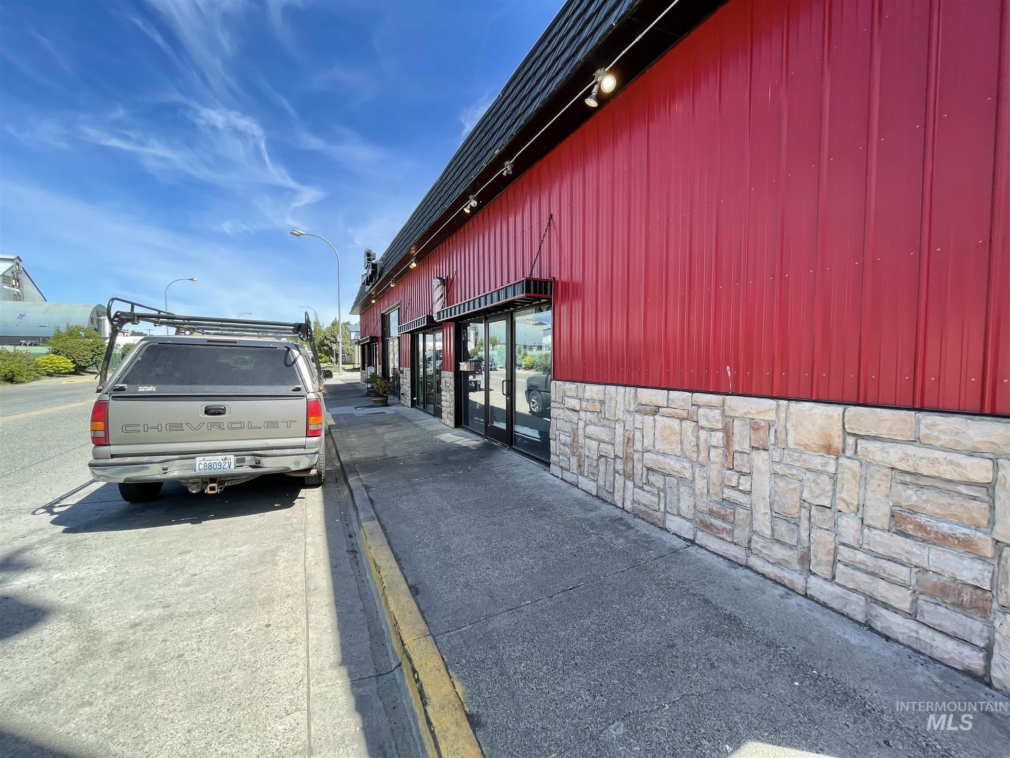 308 N Jackson Street Property Photo 46