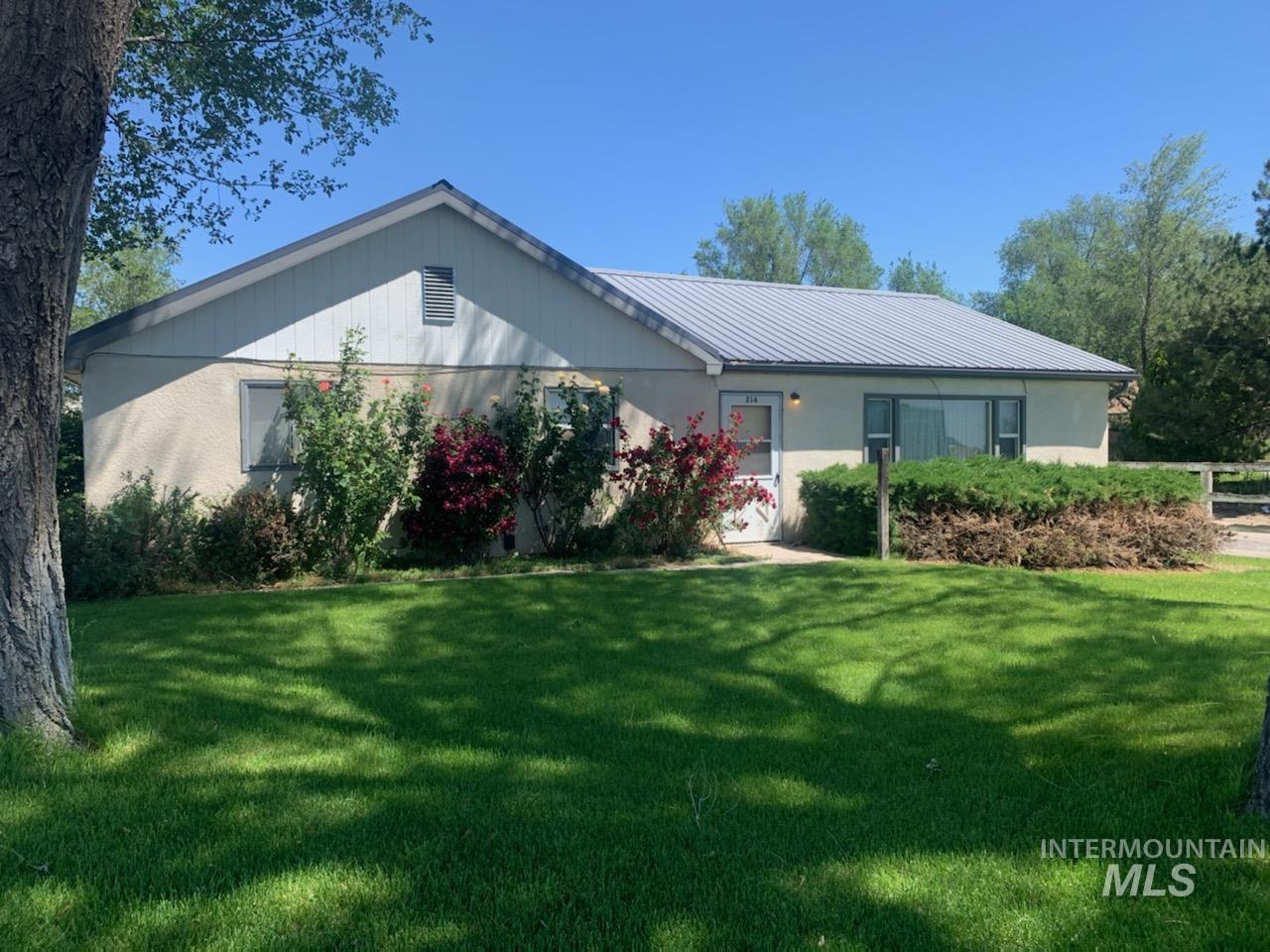 216 Yakima Ave E Property Photo