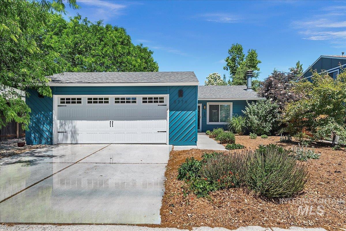 5774 W Lucky St Property Photo 1