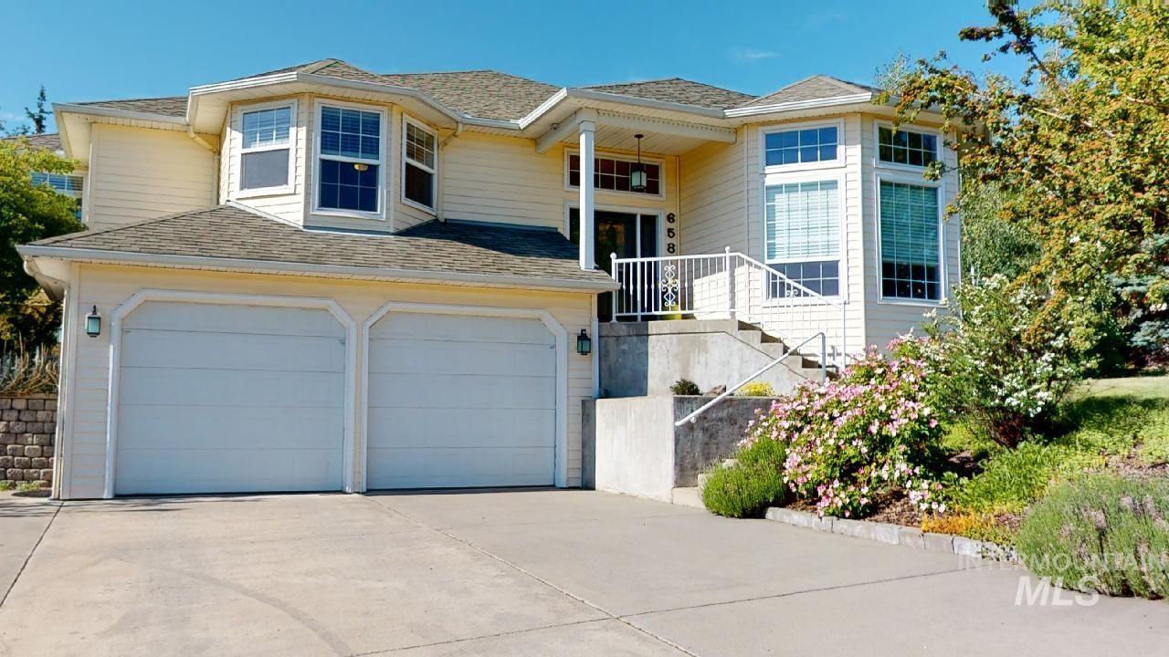 658 Conestoga Property Photo