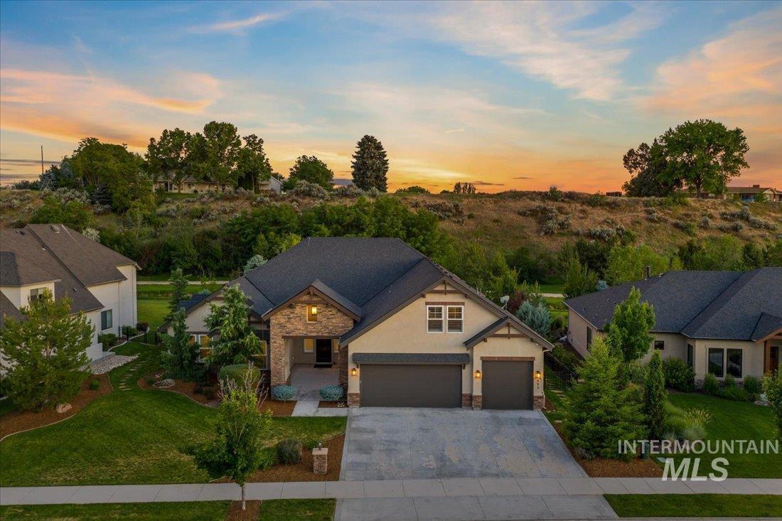 449 E Fishing Creek Lane Property Photo 1