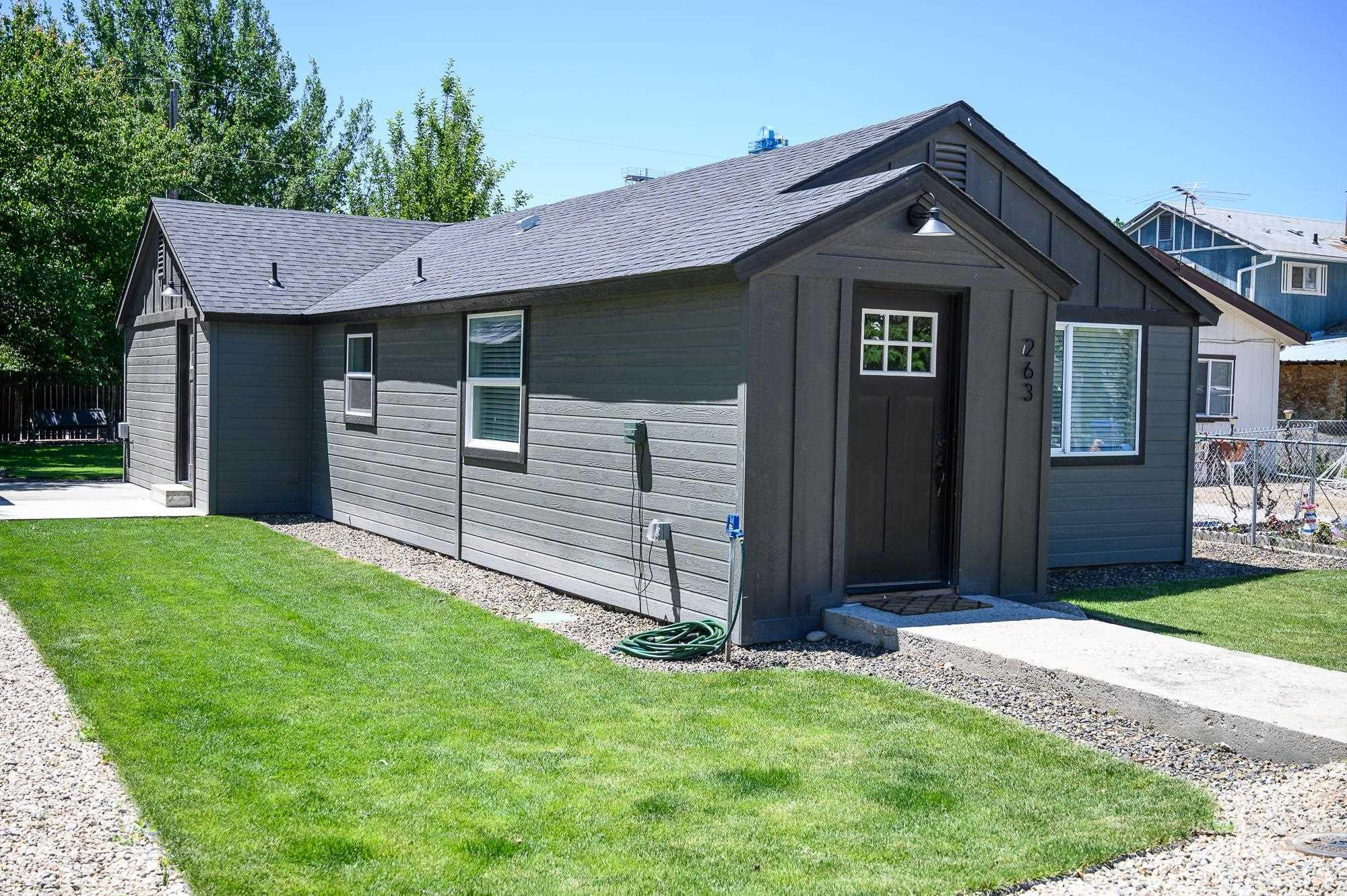 263 N Fargo Ave Property Photo 1