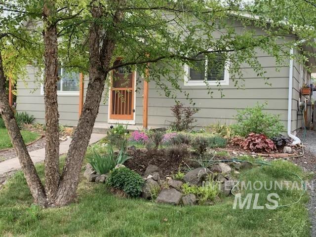 141 N Spruce Property Photo