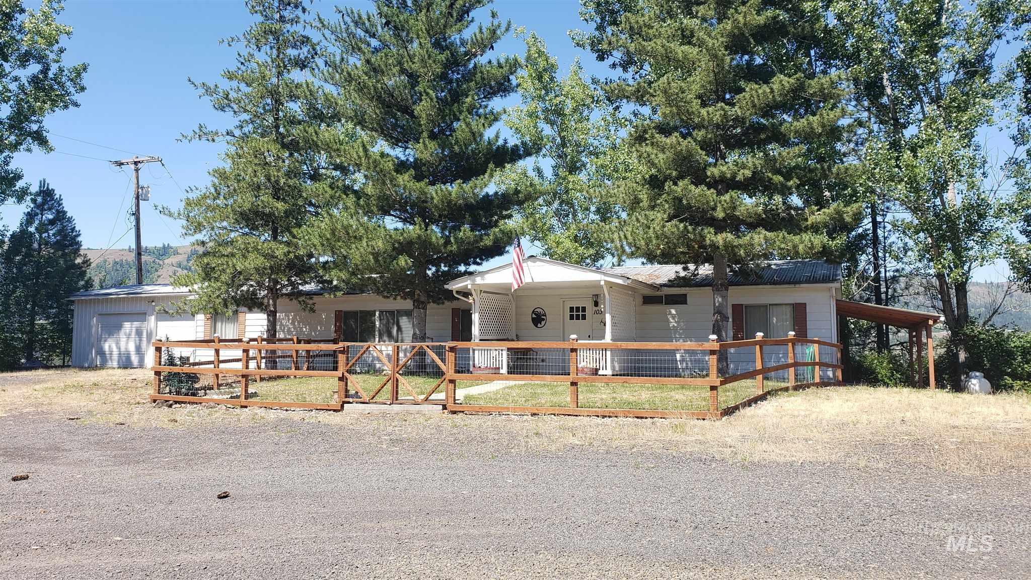 103 Ellis Lane Property Photo