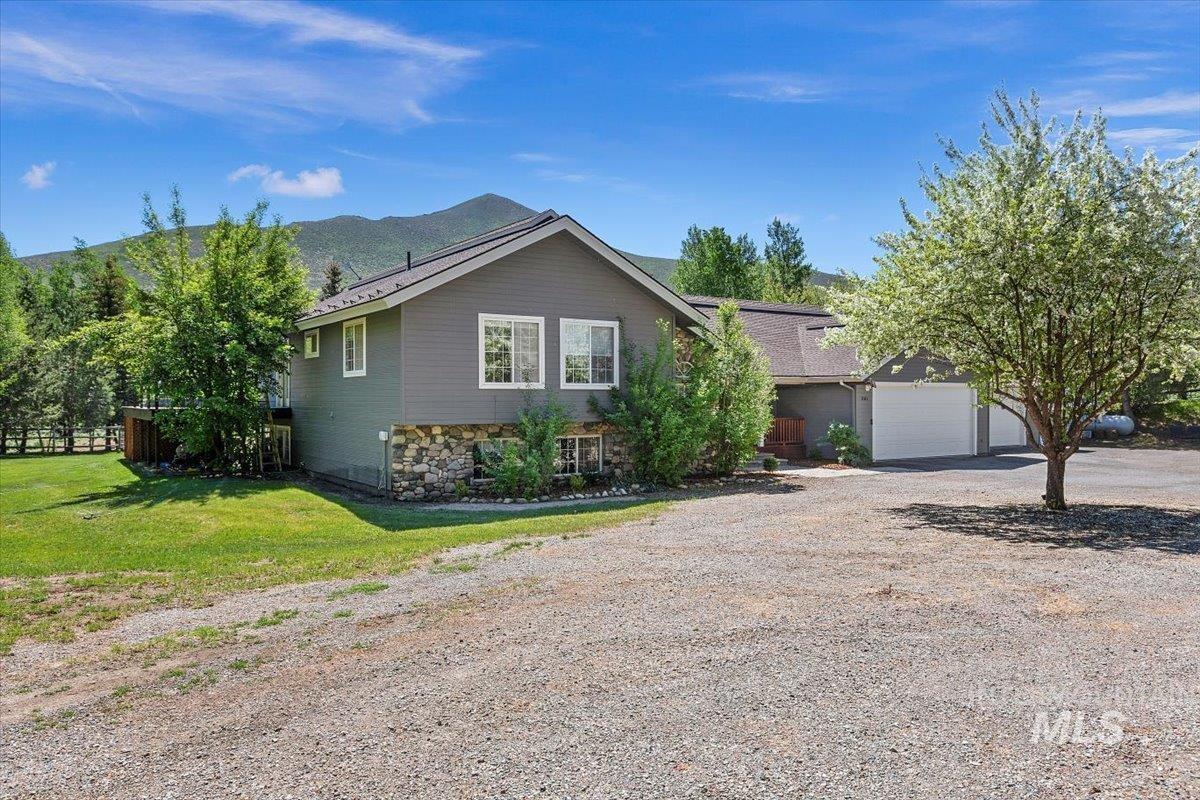361 Croy Creek Rd Property Photo