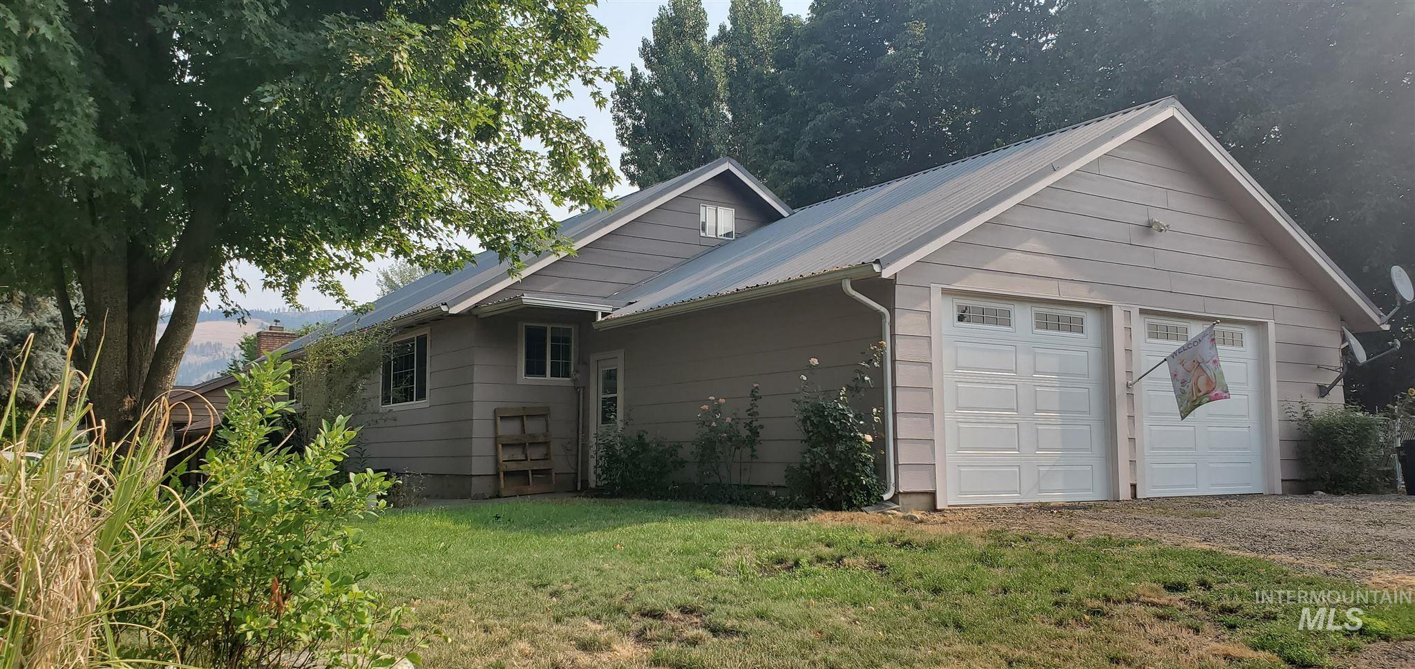 103 N Hill St Property Photo