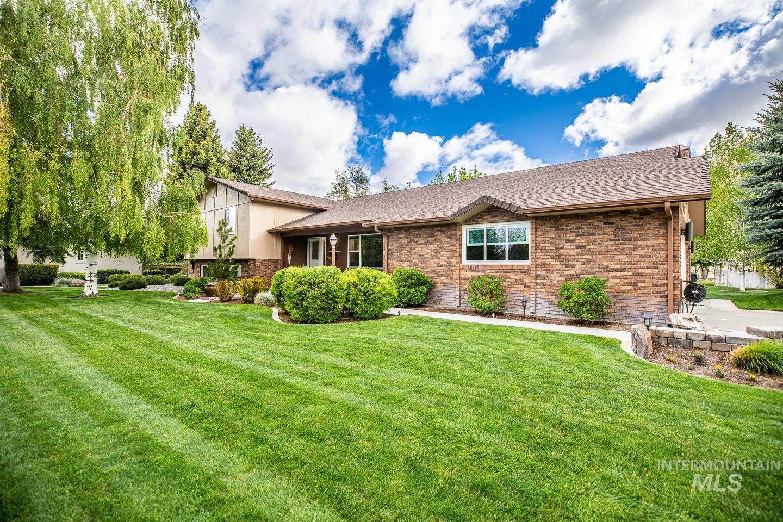 282 Woodridge Dr Property Photo 1