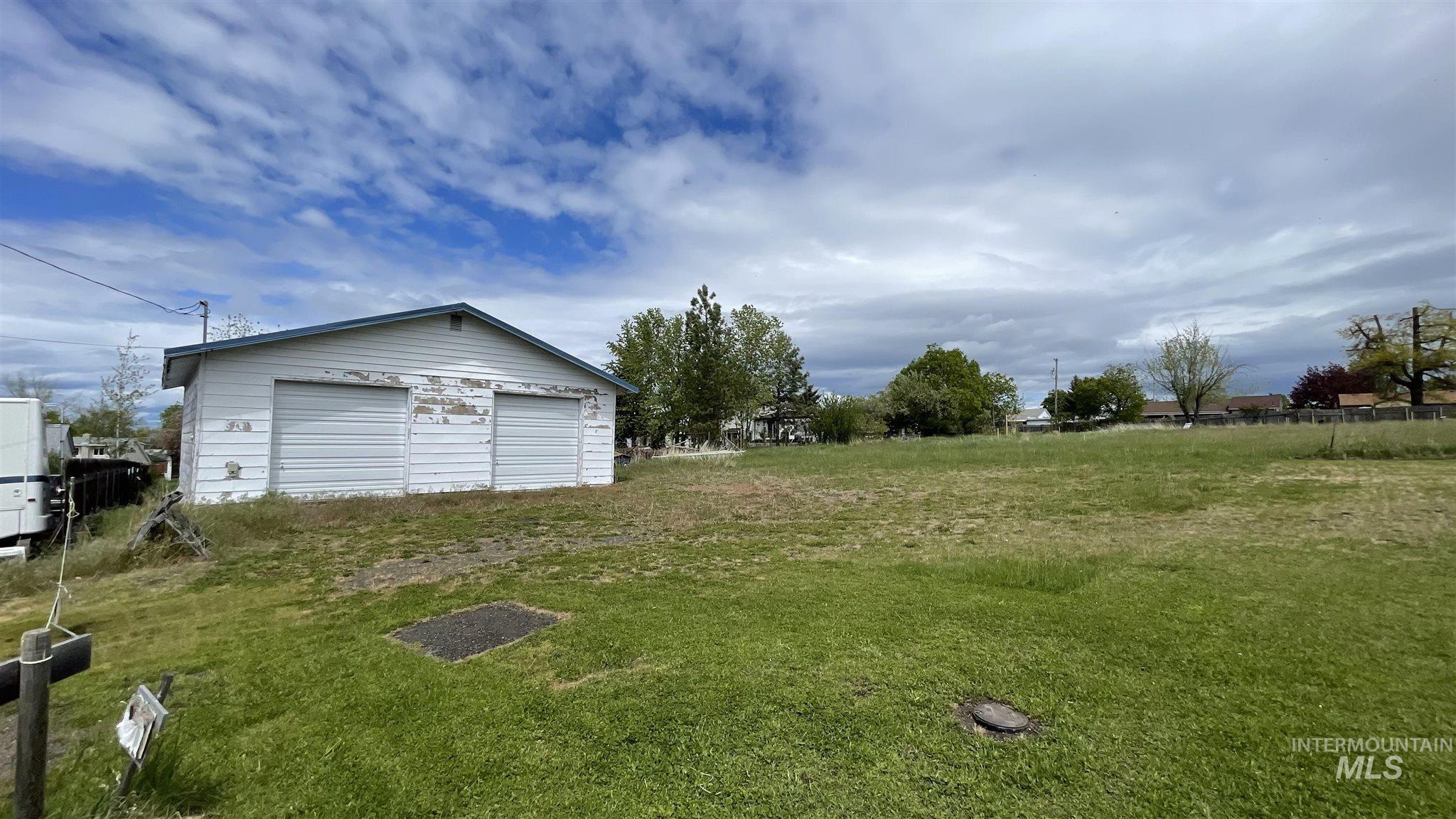 114 E South 9th Property Photo