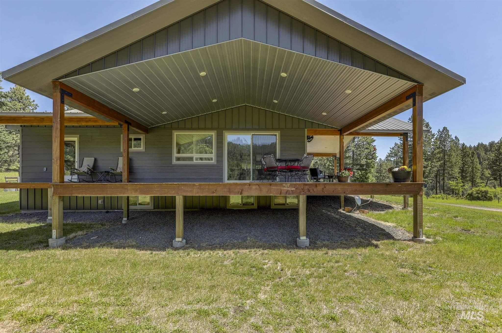 216 Crooked Road Property Photo