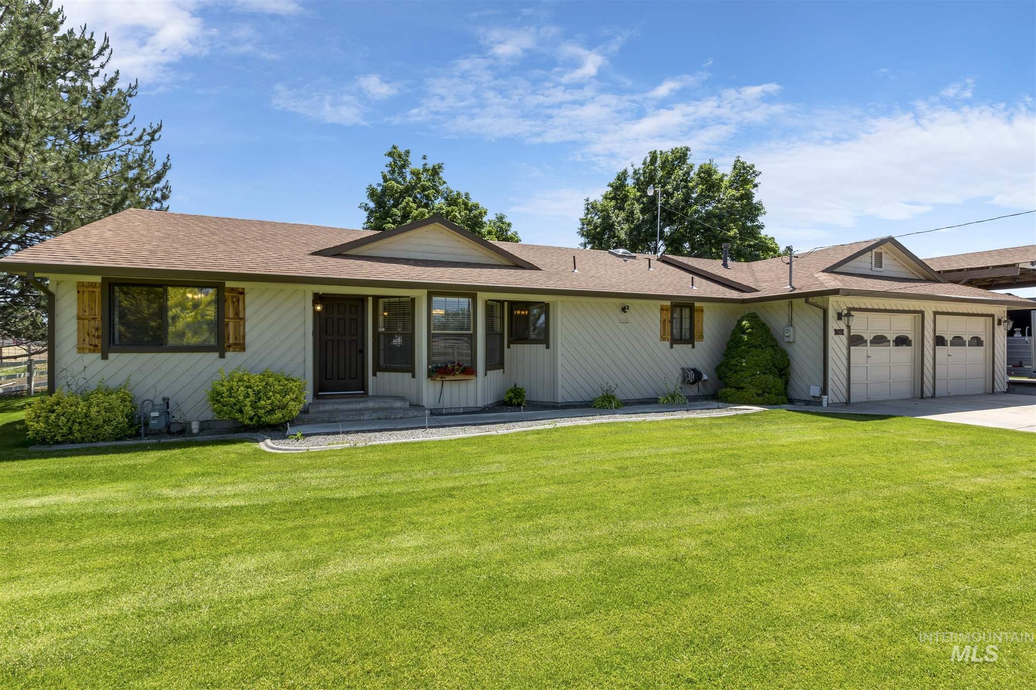 7801 E Victory Rd Property Photo