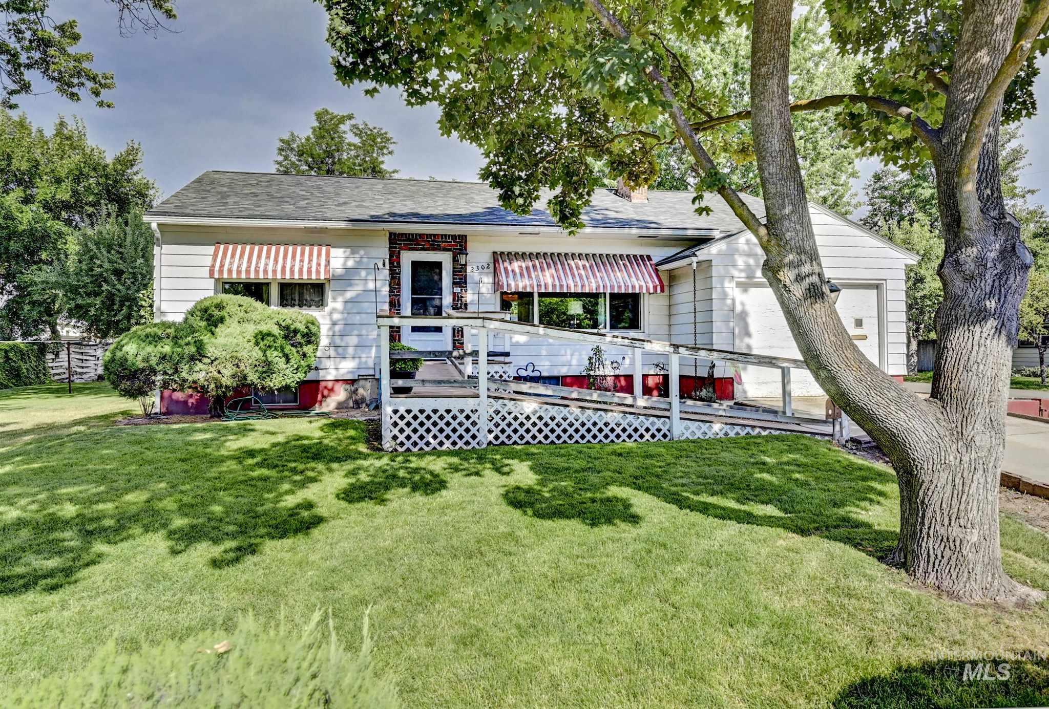 2302 N 22nd Street Property Photo