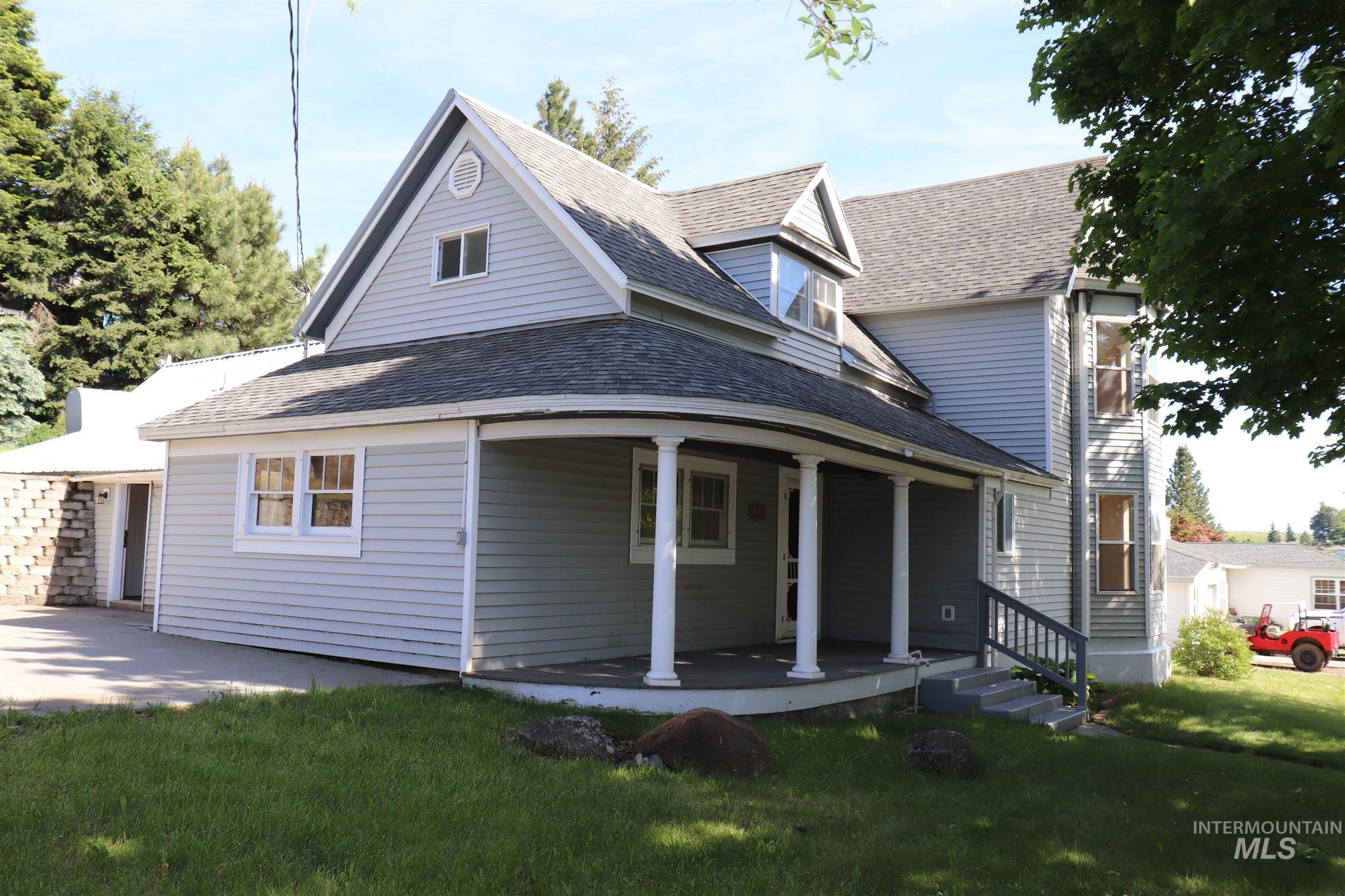 708 King Street Property Photo