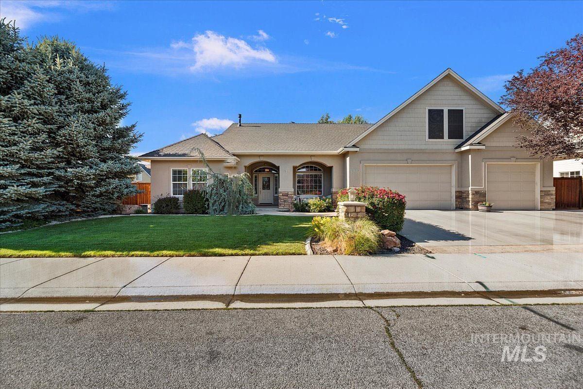 2434 E Meadowgrass Street Property Photo