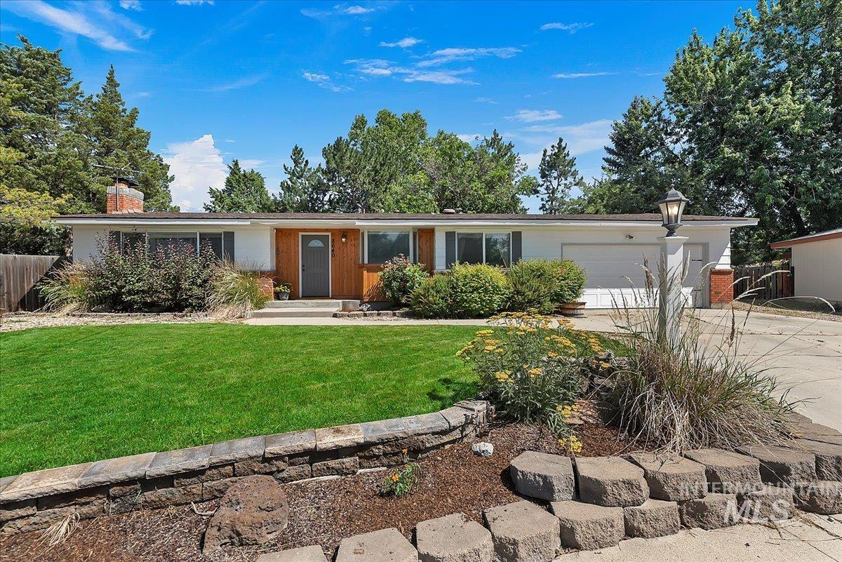 8640 W Brynwood Dr. Property Photo