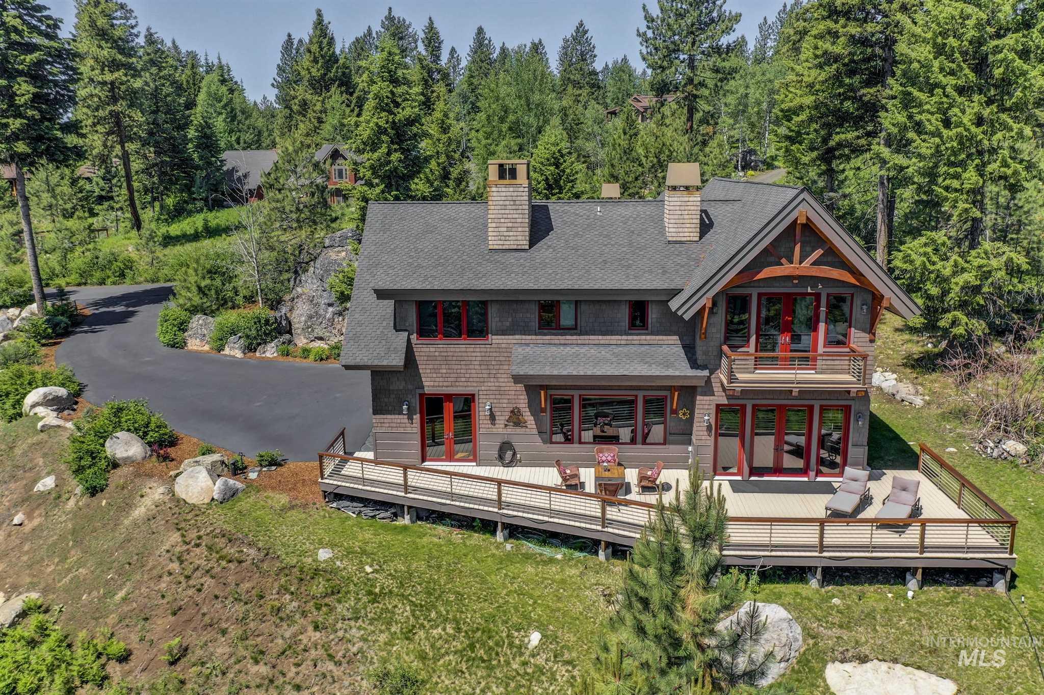 1642 Lakeridge Drive Property Photo