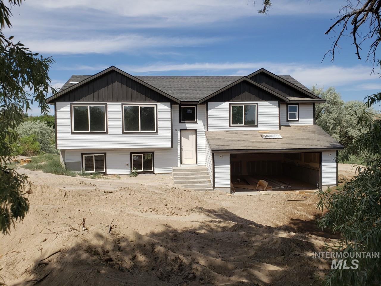 4487 Silver Creek Rd Property Photo