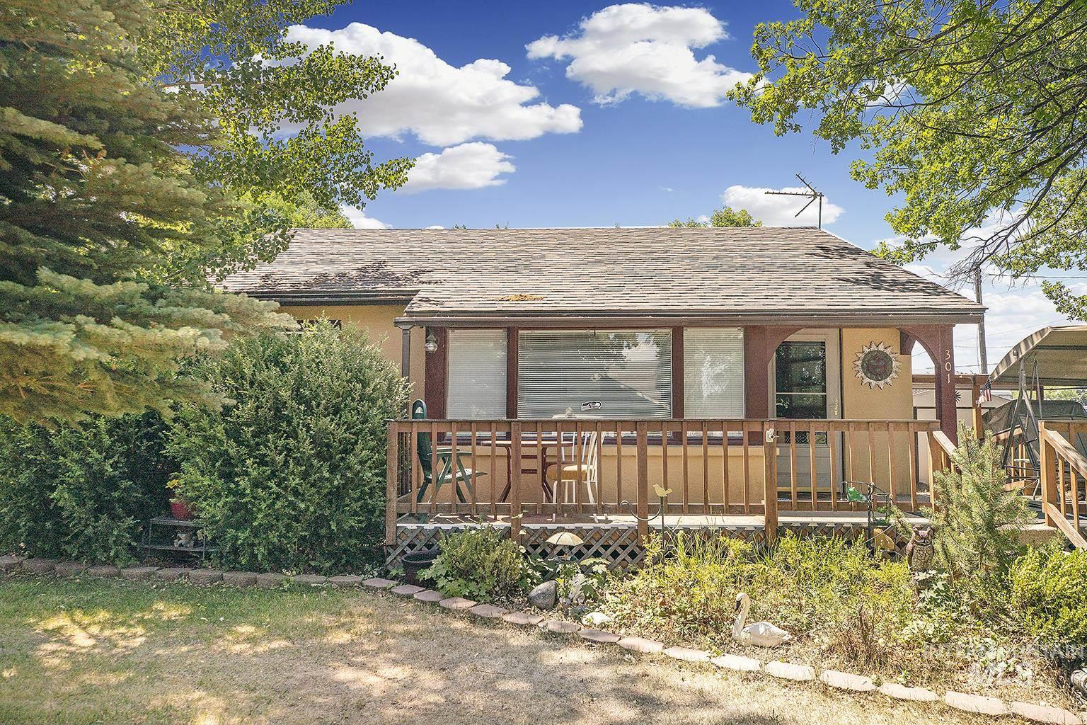 301 E 10th Avenue Property Photo 1