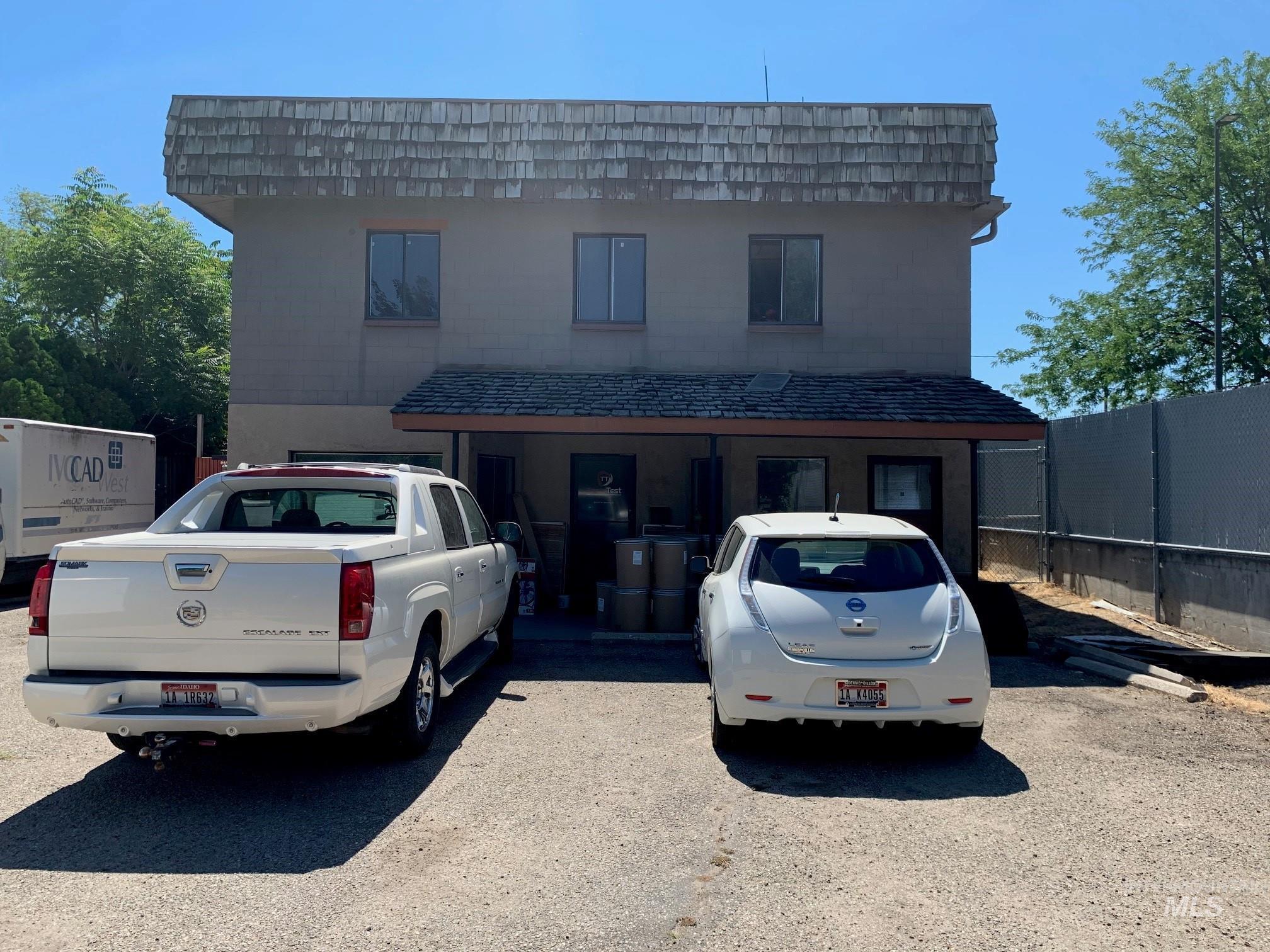 3535 W Dewey Street Property Photo 2