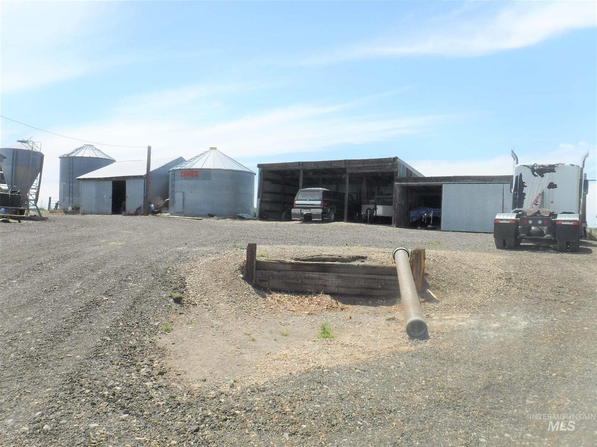 1379 E 920 N Property Photo 7