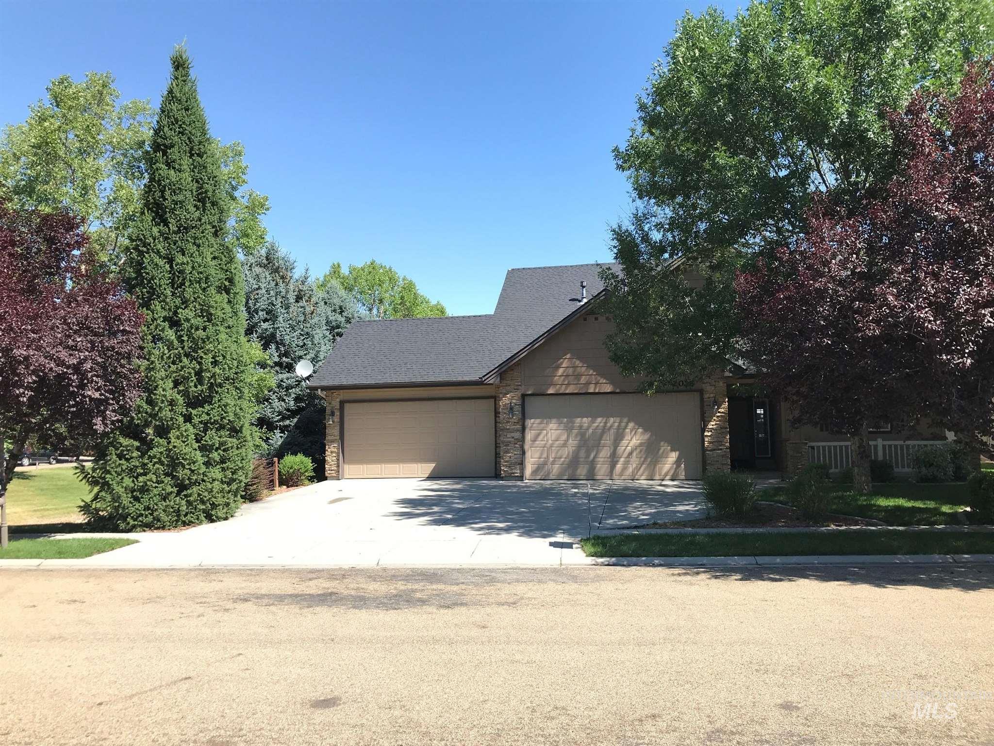2078 W Grand Teton Drive Property Photo