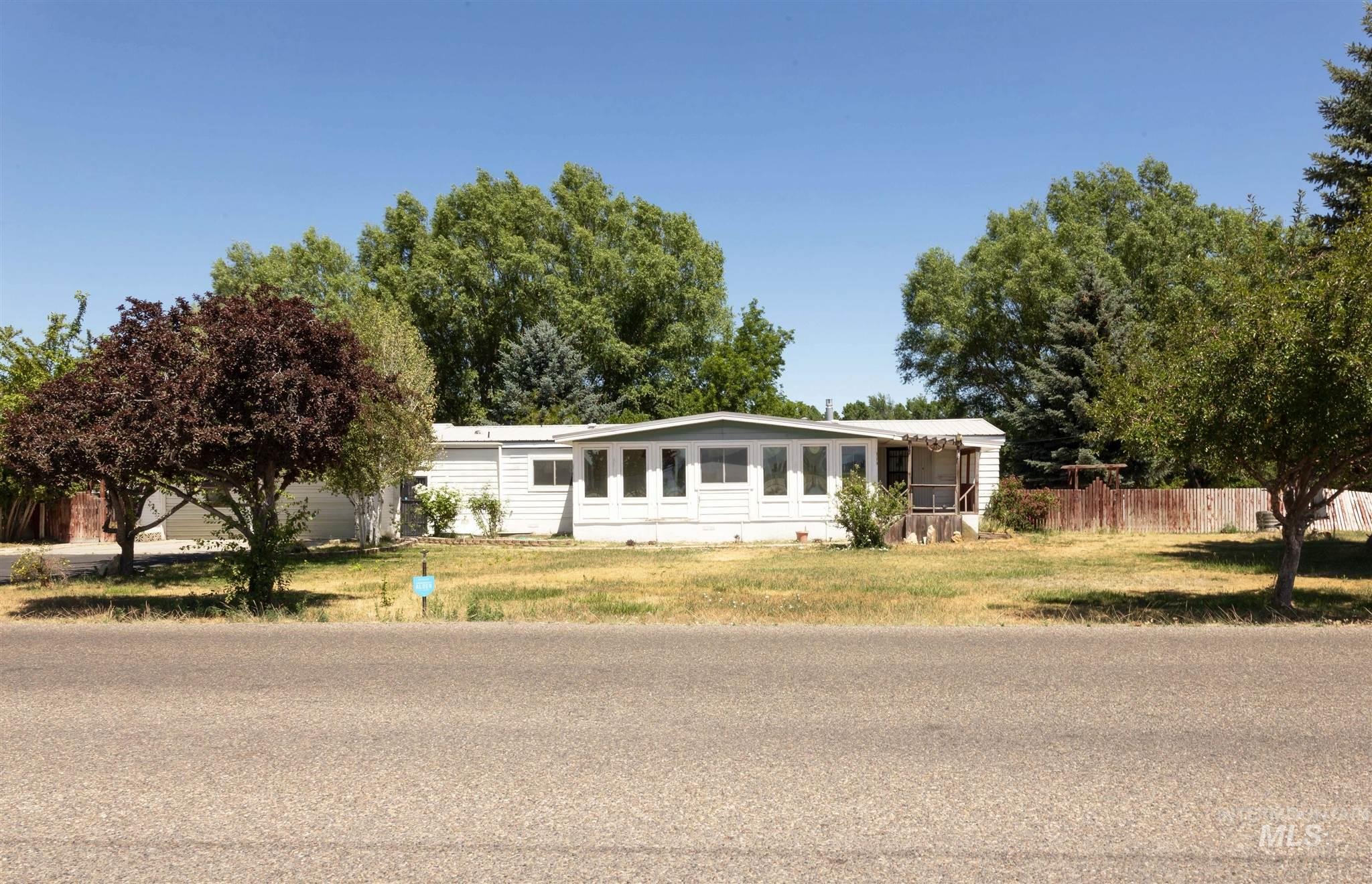 624 S 9th Property Photo