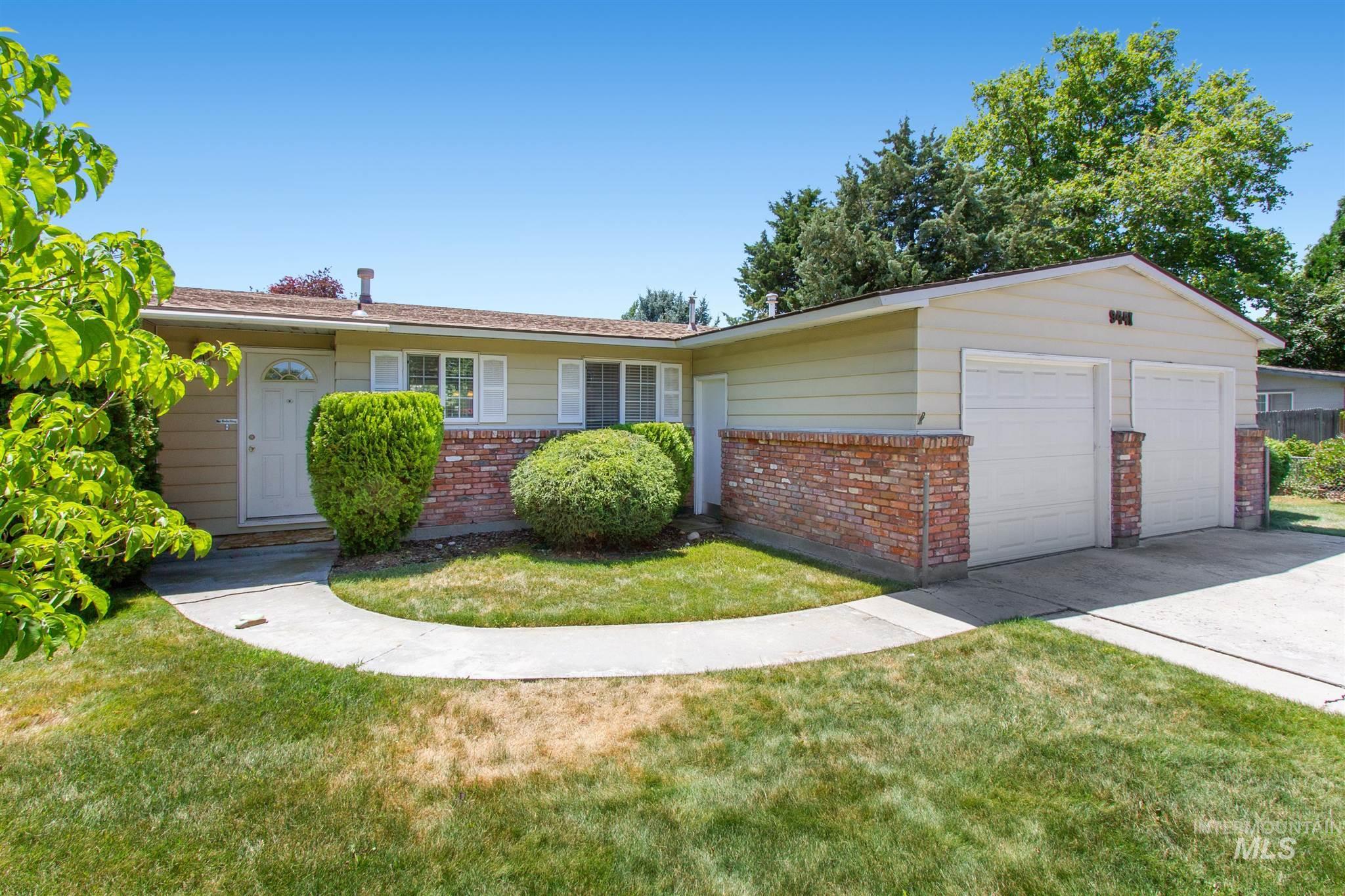 9441 W Halstead Dr Property Photo