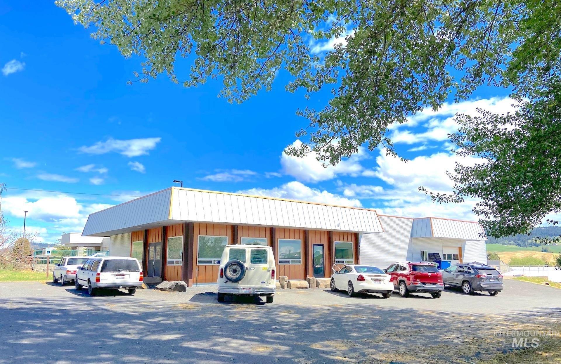 321 E Palouse River Dr. Property Photo