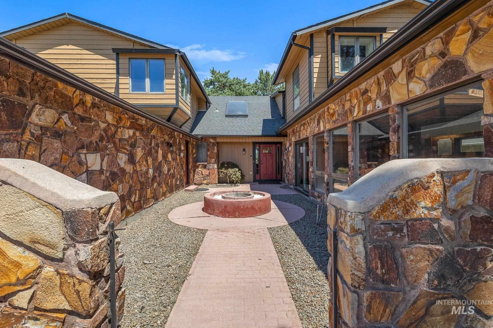 6702 W Desert Avenue Property Photo
