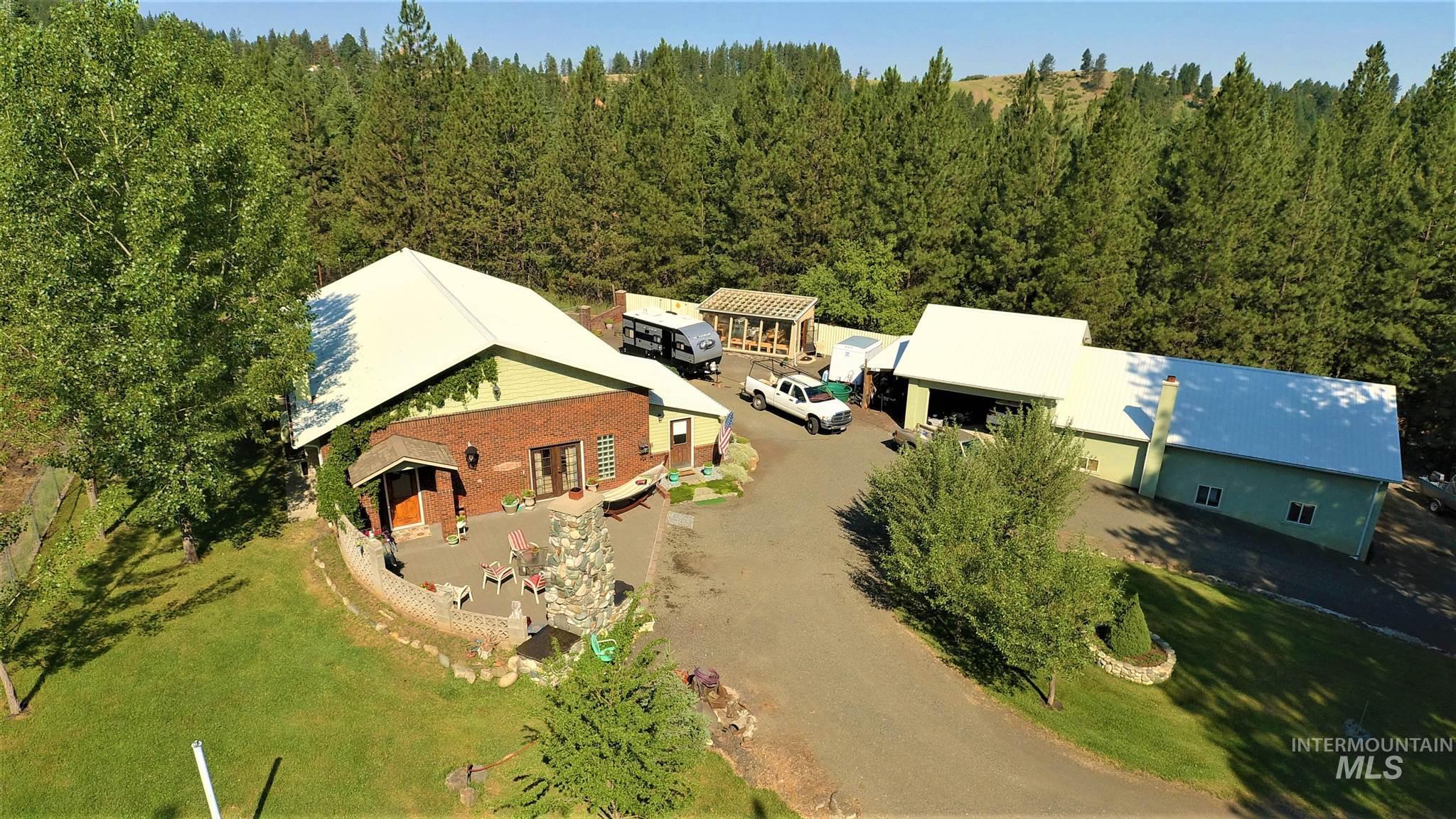 638 Mt. Idaho Grade Road Property Photo