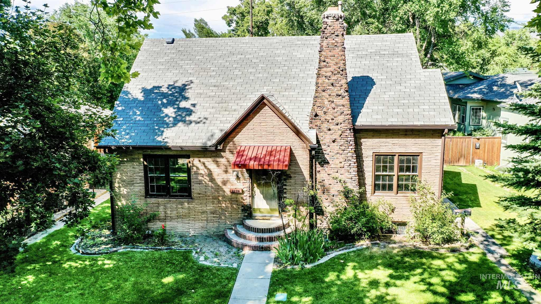 2208 W State Street Property Photo