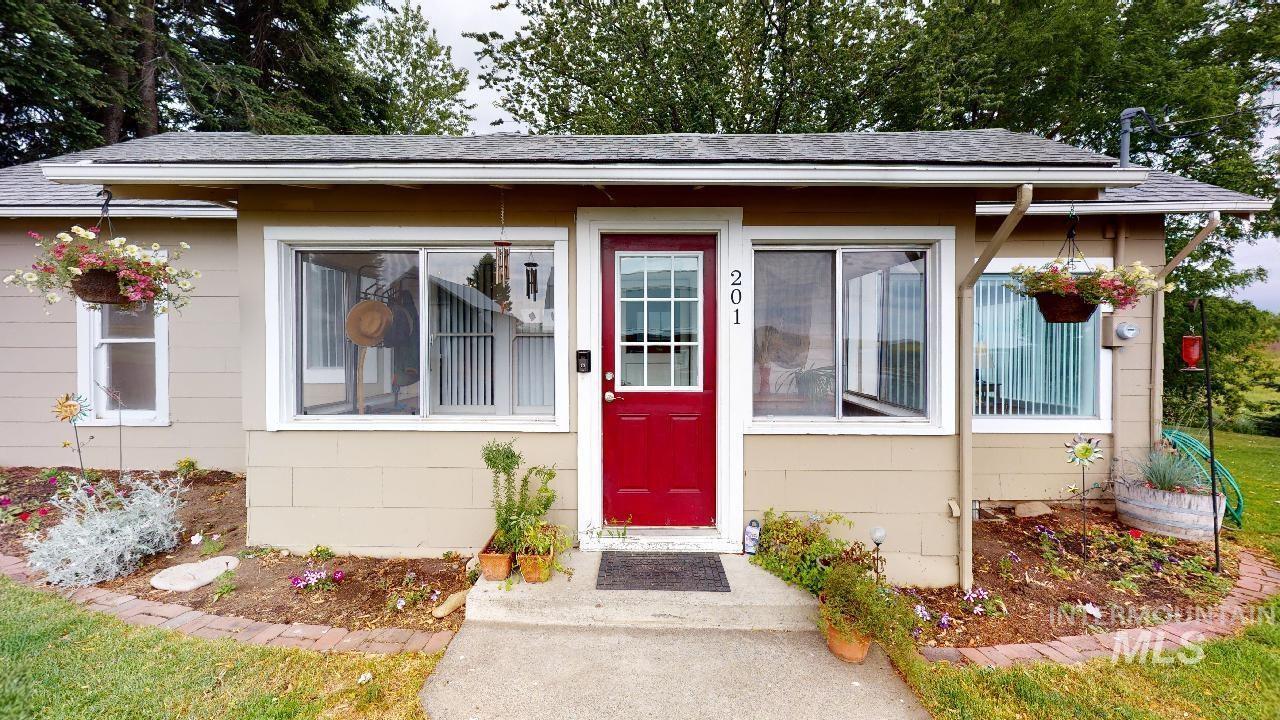 201 Butte - Johnson Property Photo
