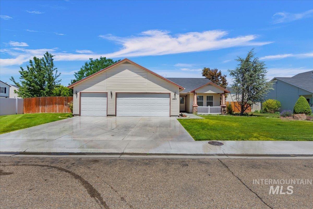 2913 Stone Creek Street Property Photo 1