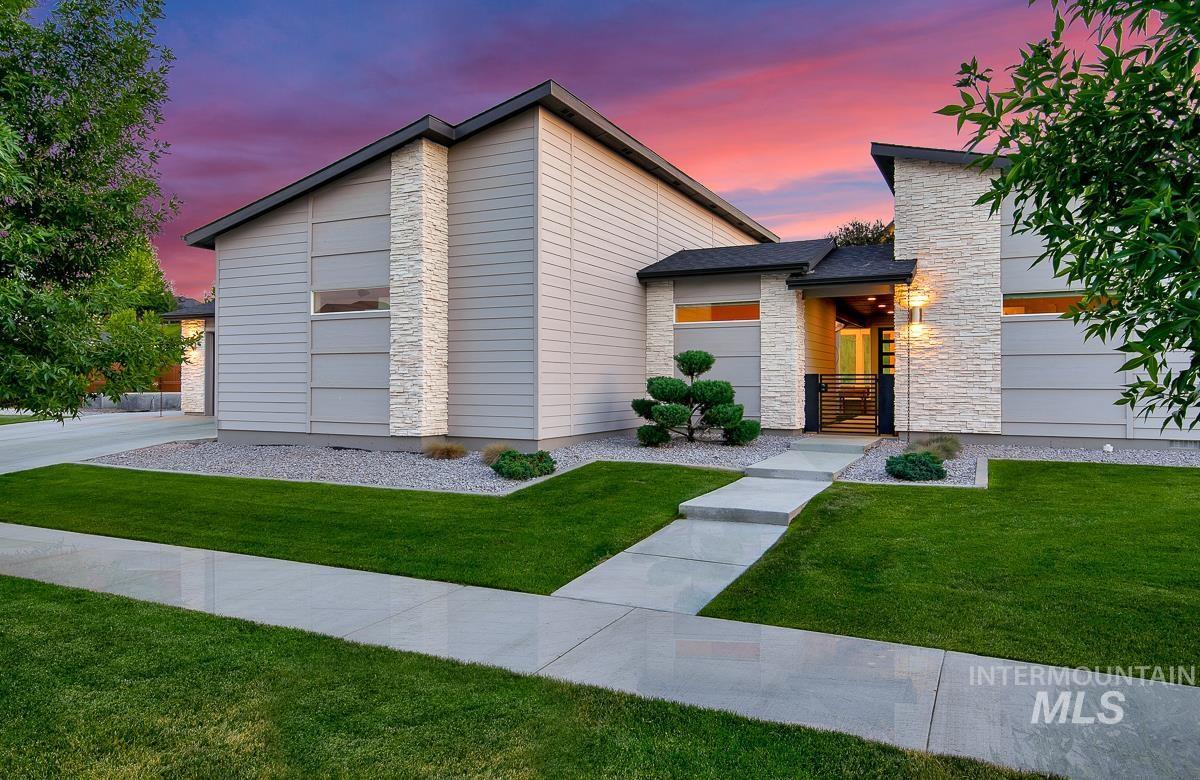 2277 E Lodge Trail Dr Property Photo