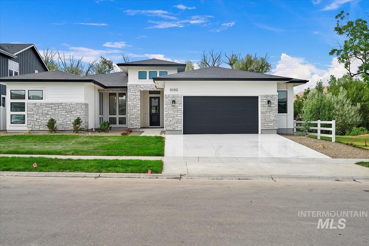 8389 W Suttle Lake Drive Property Photo